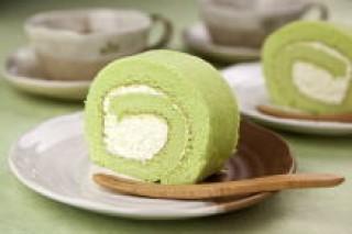 ずんだ生クリームロールケーキ